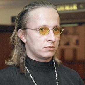 Священник, рокер и актер Иван Охлобыстин отмечает 45-летие