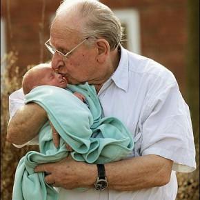 Пожилые отцы: их становится все больше