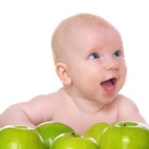 Чем полезны яблоки детям