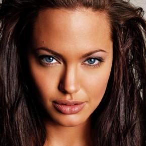 Диета Анджелины Джоли: Актриса предпочитает сыроедение