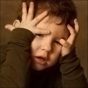 Детский стресс влияет на гены
