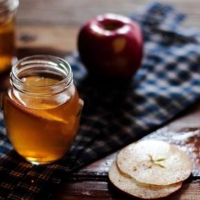 Горячий яблочный сидр с бурбоном
