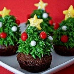 Елочки с секретом – невероятно красивый новогодний десерт