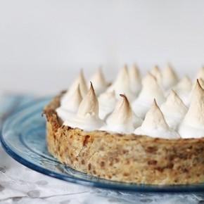 Карамельный пирог с меренгой