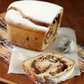 Кекс-рулет с шоколадно-ореховой начинкой
