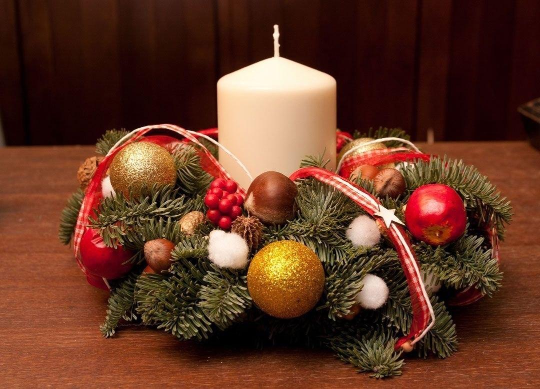 Венок новогодний своими руками на стол