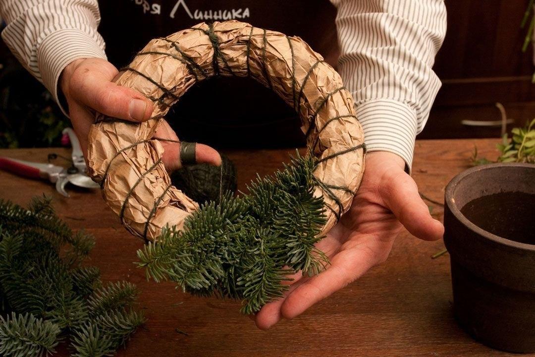 Как сделать еловый венок на новый год