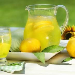 7 причин выпить стакан воды с лимонным соком