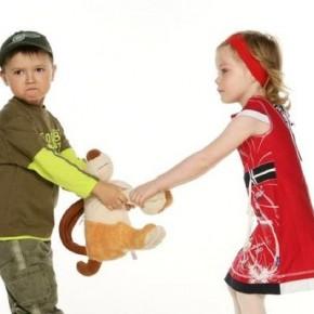 Какие фразы ранят детскую психику?