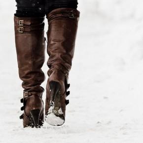 Как вывести соль с обуви
