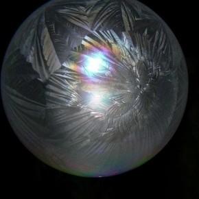 Как замораживать мыльные пузыри