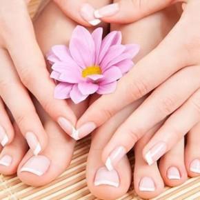 Почему желтеют ногти и как их отбелить