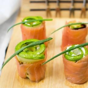 Роллы из лосося со сливочным сыром