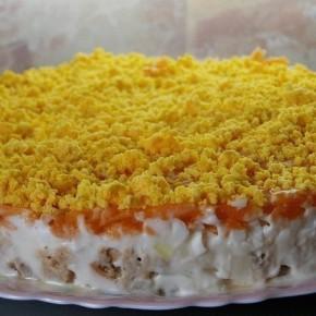Салат из горбуши консервированной с грибами