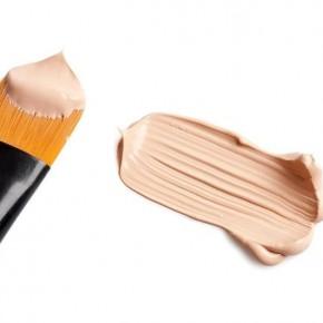 Как удалить пятно от тонального крема на одежде