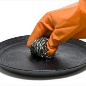 Как отчистить сковородку?