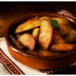Запеченные со специями острые картофельные дольки