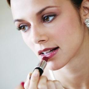 Как сделать пышные губы, как надолго сохранить их естественную красоту?