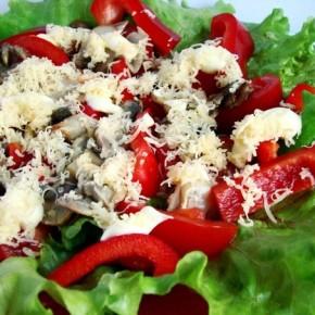 Салат с шампиньонами по рецепту французской кухни