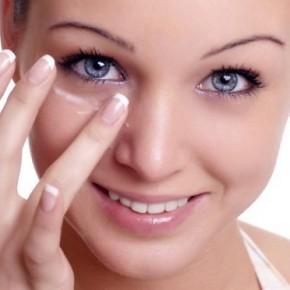 Как правильно ухаживать за кожей губ и глаз
