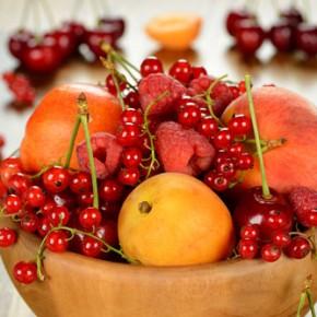Сезон вкусных ягод и фруктов