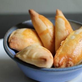 Тиропитакья (греческая выпечка с сыром)