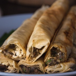 Быстрые пирожки с грибами и сыром «Сигара берек»