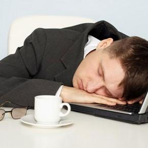 11 способов быстро взбодриться, когда клонит в сон
