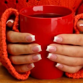 Холодные руки: 10 причин